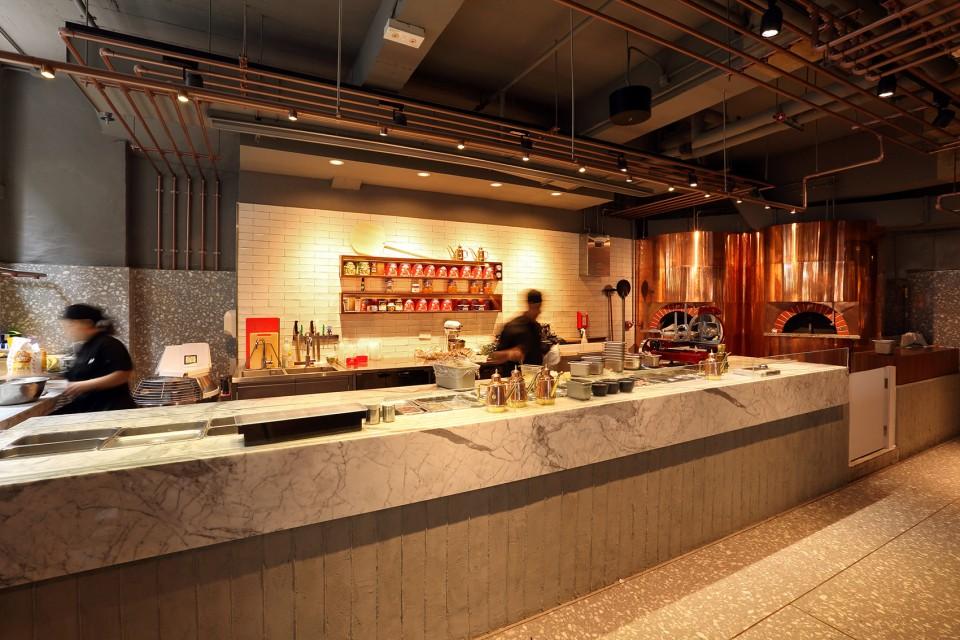 意大利餐厅设计,工业风格意大利餐厅,工业风格餐厅设计,意大利餐厅设计风格,意大利餐厅装潢设计,意大利餐厅设计装修,餐厅店面设计,主题餐厅设计,香港餐厅设计,时尚餐厅设计,酒吧设计,主题酒吧设计,酒吧灯光设计,个性酒吧设计