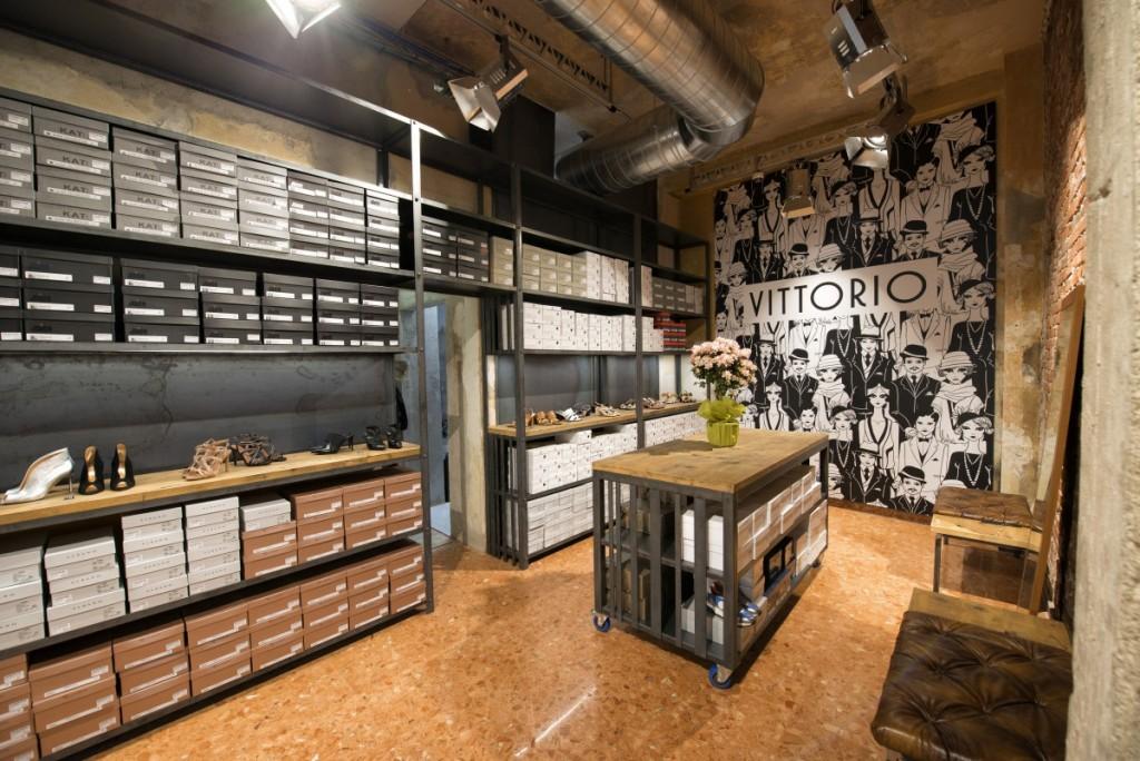 Vittorio Shoes,上海商业空间设计,服装店设计,鞋店设计,零售店铺设计,上海零售店铺设计,上海服装店设计,上海鞋店设计,上海工业风格零售店铺设计,上海店铺设计,上海工业风格设计,上海工业风格服装店设计,Vittorio Shoes-6
